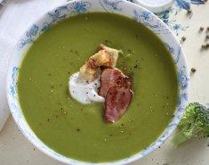 Μπρόκολο σούπα με απάκι και σπιτικά κρουτόν  - Images