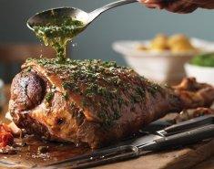Αρνίσιο μπούτι σιγοψημένο στον φούρνο με βούτυρο - Images