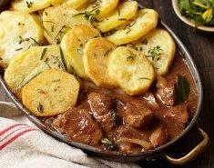 Μοσχαράκι με πατάτες  - Images