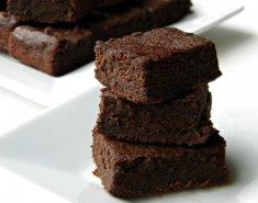 Σοκολατόπιτα με τέσσερα υλικά  - Images