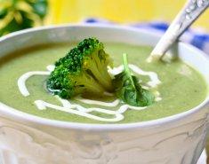 Σούπα βελουτέ με μπρόκολο και ροκφόρ  - Images
