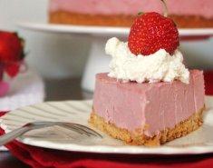 Cheesecake παγωτό με φράουλες  - Images