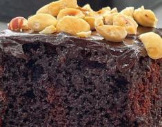 Σοκολατόπιτα σιροπιαστή με γλάσο σοκολάτας - Images