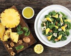 Εξωτική πράσινη σαλάτα με κοτόπουλο και ανανά - Images