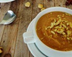 Σούπα βελουτέ με κουνουπίδι και goji berries - Images