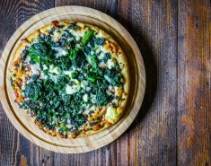 Πίτσα με σπανάκι και φέτα  - Images