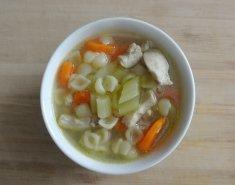 Καλοκαιρινή σούπα κοτόπουλο με κοχυλάκια - Images