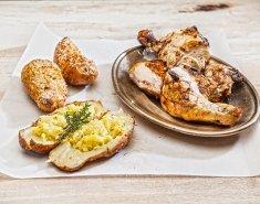 Κοτόπουλο BBQ και γεμιστές ψητές πατάτες - Images