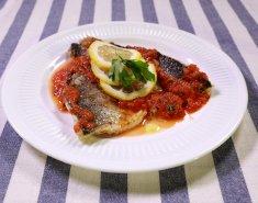 Λαβράκια Blue Island τηγανητά με σάλτσα ντομάτας - Images