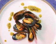 Μύδια με φρέσκα βότανα & σκόρδο - Images