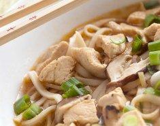 Σούπα noodles με κοτόπουλο, τσίλι και τζίντζερ  - Images