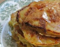 Pancakes με μήλο και μέλι - Images