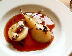 Αχλάδια ποσέ σε σιρόπι από σαφράν  - Images