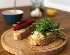 Σάντουιτς με χούμους σε 5 λεπτά - Images
