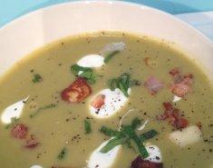 Σούπα με μπιζέλι, χαλούμι και δυόσμο - Images