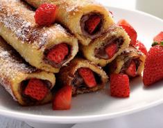 Ρολάκια με σοκολάτα και φράουλα  - Images