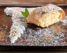 Στρούντελ μήλου με κρέμα σιμιγδάλι - Images