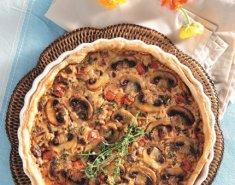 Τάρτα με κοκκινιστά μανιτάρια και κρέμα τυριού - Images