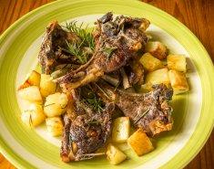 Αρνάκι με πατάτες και κονιάκ  - Images