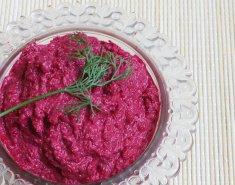 Παντζαροσαλάτα με ροζ σκορδαλιά - Images
