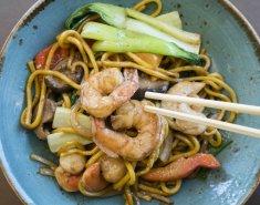 Noodles με γαρίδες, μουστάρδα και μέλι   - Images