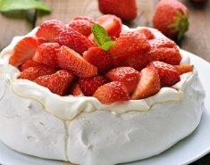 Πάβλοβα με φράουλες  - Images