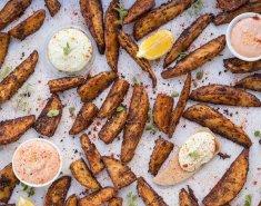 Τραγανές πατάτες φούρνου με μπαχαρικά & 2 λαχταριστές σος - Images