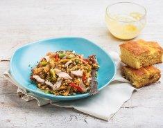 Φακές στο τηγάνι με φρέσκο σολωμό και ντρέσινγκ μουστάρδας - Images
