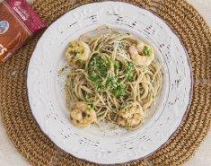 Σπαγέττι με γαρίδες και πέστο από κόλιανδρο - Images