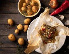 Χοιρινό FOODSAVER στη λαδόκολλα με φέτα και λαχανικά - Images